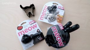 Win a Set Of Black Cat Kitchen Accessories! Day 5 of the 12 Days Of Catmas Giveaways!